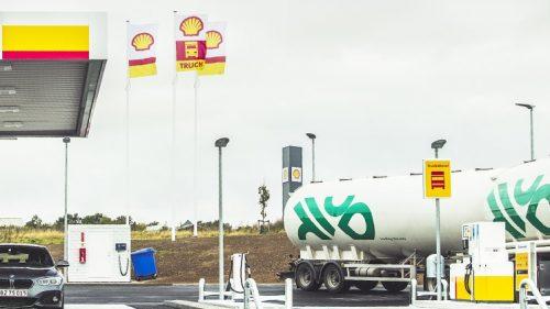 Shell skyder op langs motorvejene